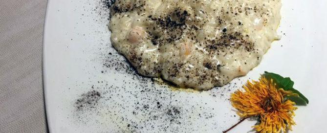 Risotto cacio e pepe con mazzancolle e aglio Nero di Voghiera - Chef Bruno Marchesani